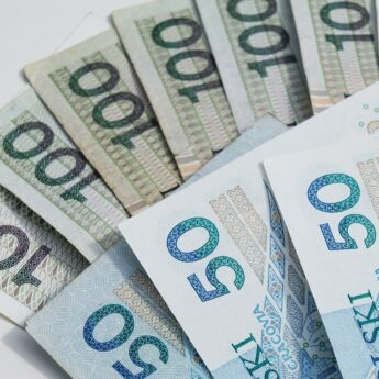 Płaca minimalna w górę. W przyszłym roku przekroczy 3 tys. złotych
