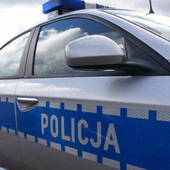 """""""Bezpieczna droga do szkoły"""". Policjanci sprawdzali jak rodzice przewożą dzieci do szkoły"""