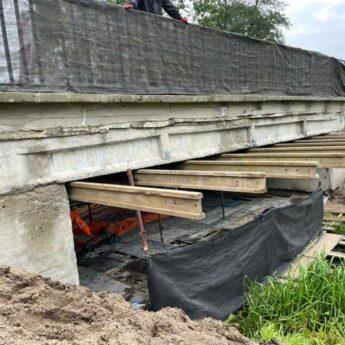 Trwa przebudowa mostu w Jatkach. Zobacz jak zorganizowano objazd!