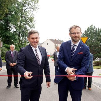 Wojewoda wspólnie z Burmistrzem otworzyli dwie ulice w Golczewie [FILM]