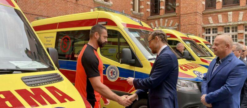 Nowe ambulanse w Województwie. Jeden trafi do Powiatu Kamieńskiego