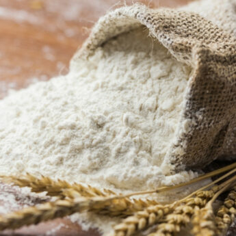 Pszenica drożeje na potęgę. Szykujcie się na podwyżki cen makaronu, mąki i chleba!